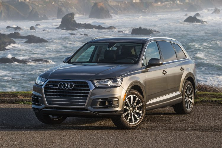 Best Crossover 2018 - Audi Q7 Front 3/4 view