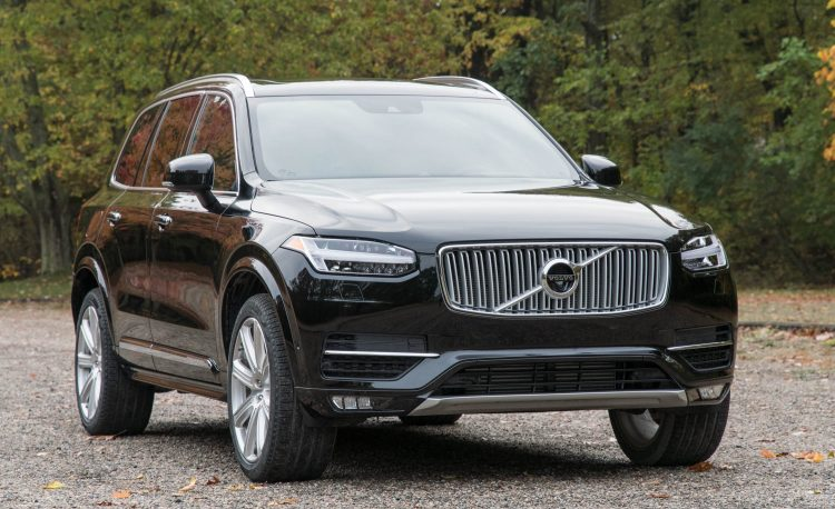 Best Crossover 2018 - Volvo XC90 Front 1/4