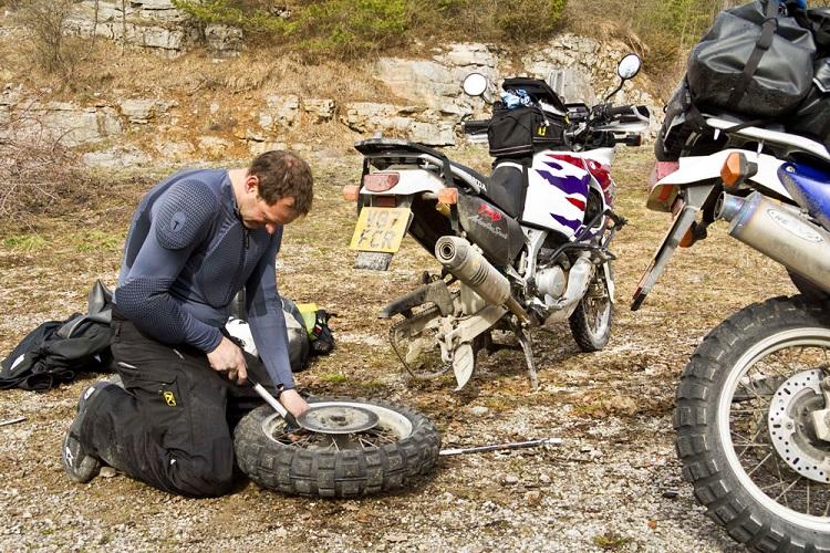 Home Motorcycle Repair - Garage 3