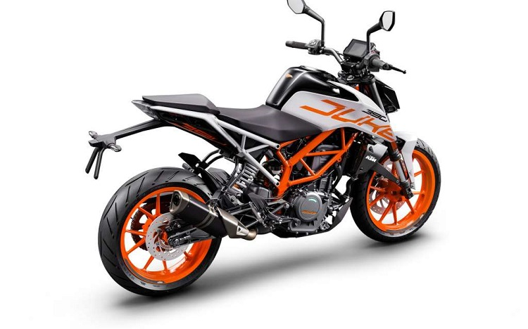 Small Motorcycles - KTM Duke 390 2