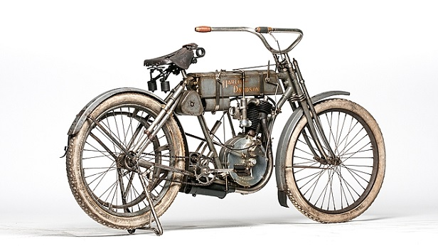 Vintage Motorcycles - Harley-Davidson Strap Tank