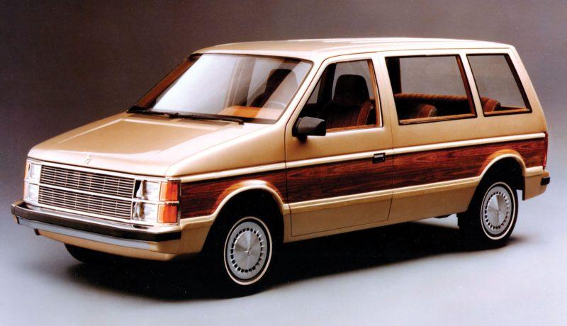 Dodge Caravan Front 3/4
