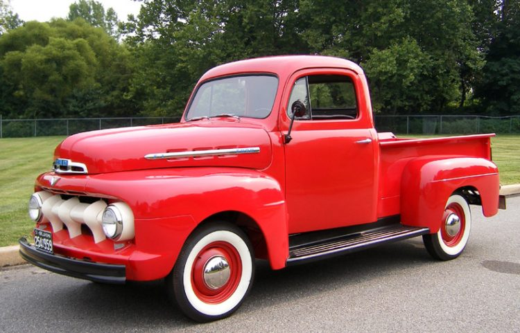 Ford F100 Front 3/4