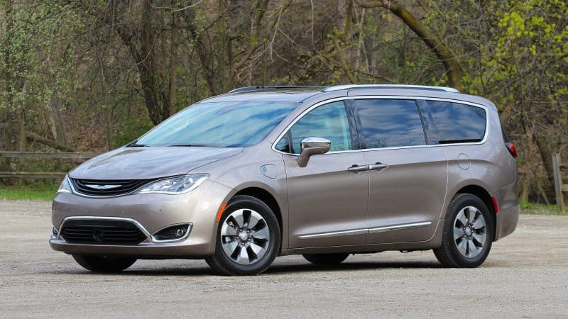 Future Hybrid Cars 2019 - Chrysler Pacifica Hybrid 3/4 view