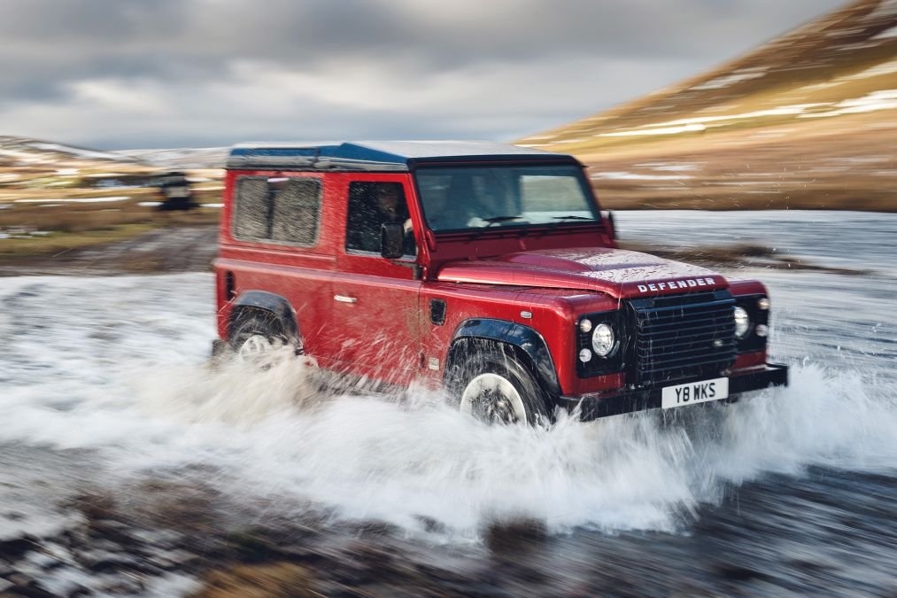 18 Land Rover Defender Works V8 convertible SUV
