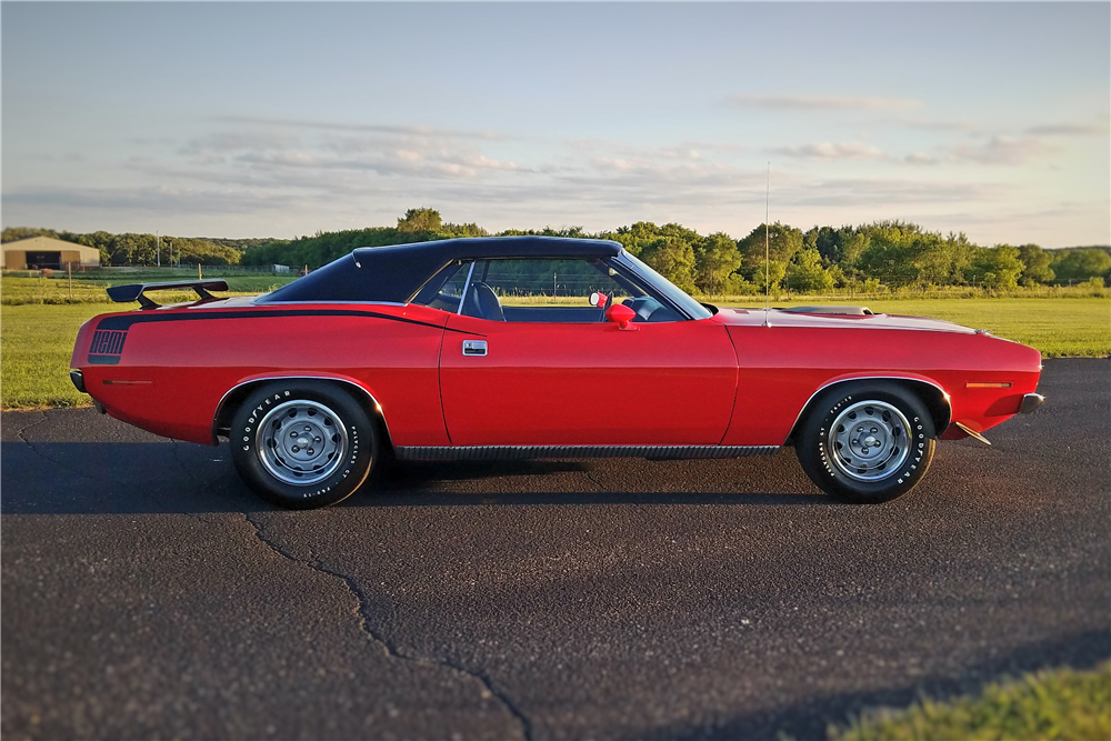 Plymouth built few hot cars, the 1970 Plymouth Hemi Cuda is one.