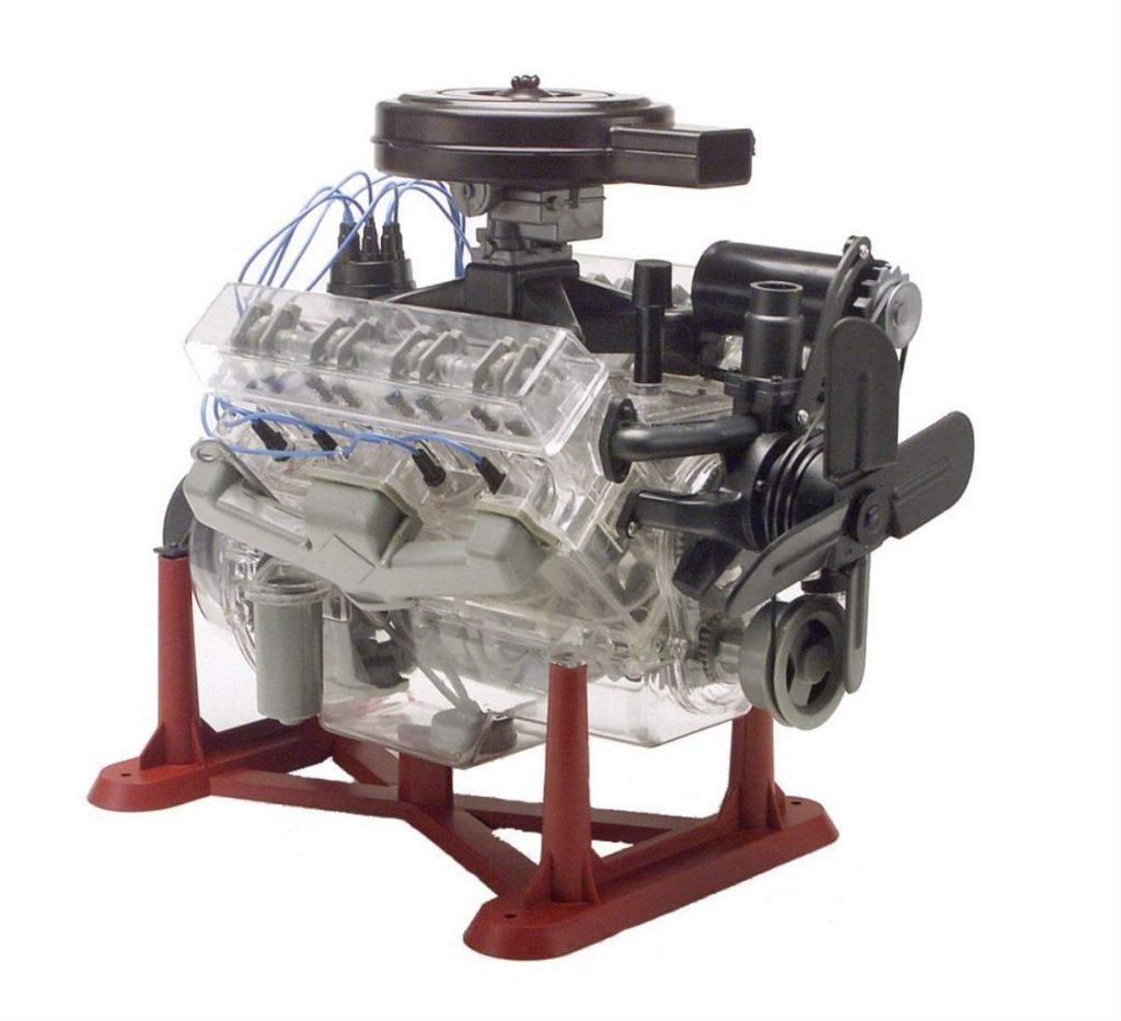 Revell 85-8883 Visible V8