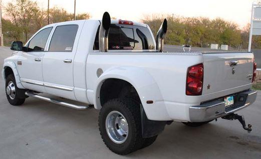 Vertical exhaust on Dodge Ram
