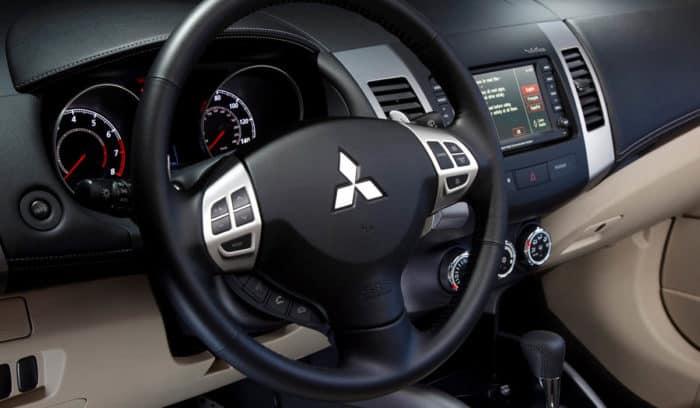 2010 Mitsubishi Outlander Interior