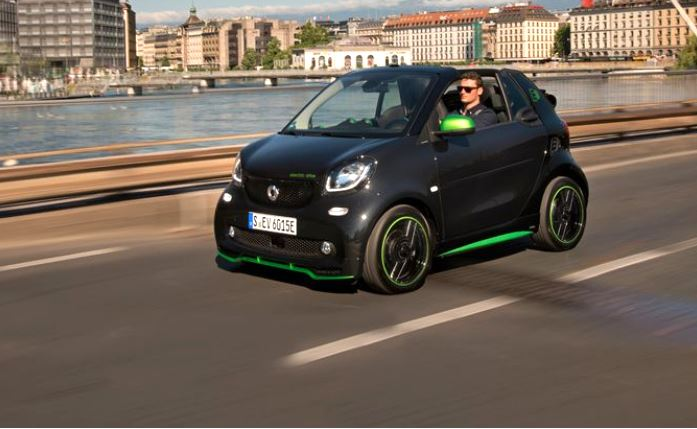 2018 smart Fortwo - on road