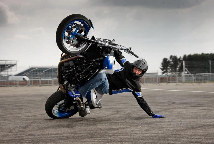 Best Motorcycle Stunts 2