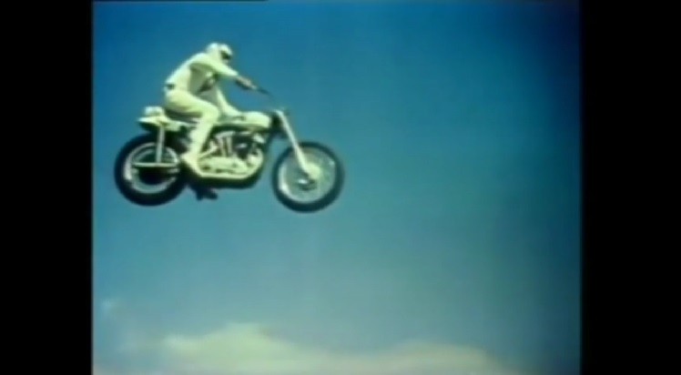 Best Motorcycle Stunts - Evel Knieval 19 Cars