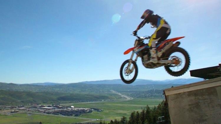 Best Motorcycle Stunts - Maddison