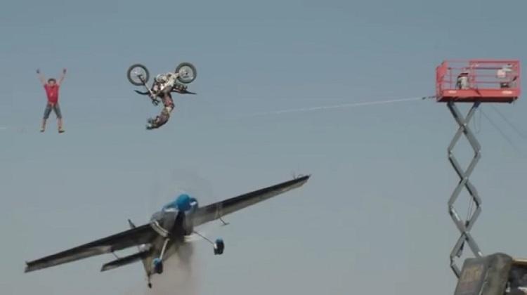 Best Motorcycle Stunts - Plane, Tightrope, Flip 1