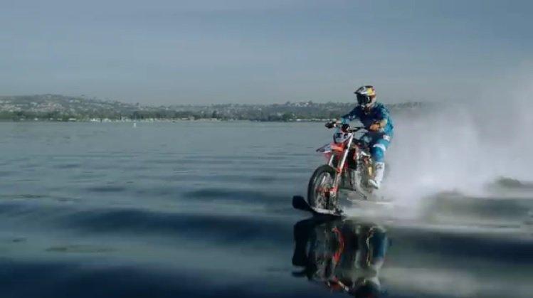 Best Motorcycle Stunts - Robbie Maddison Water Bike