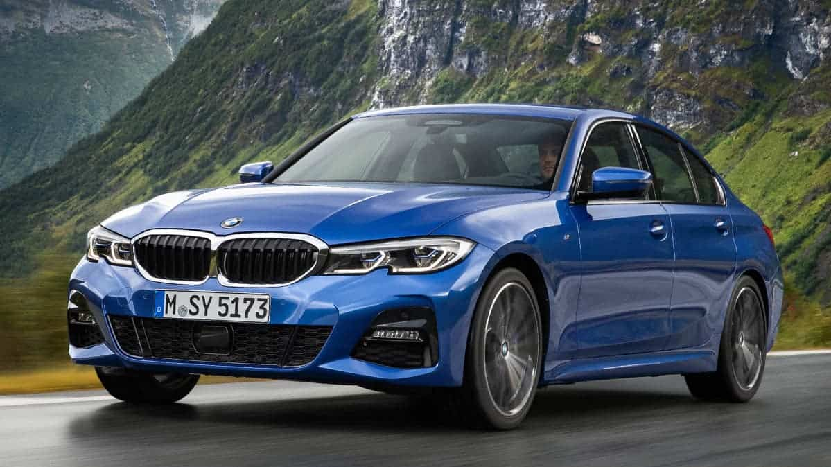 All-new 2019 BMW 3 Series front 3/4 view