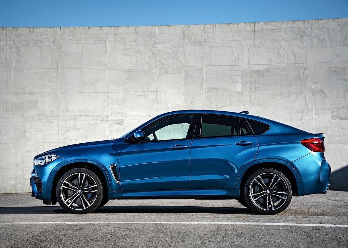 BMW X6 side view