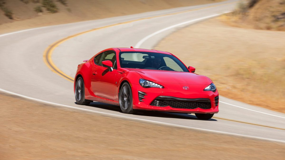 2019 Toyota Lineup - Toyota 86 front 3/4 view