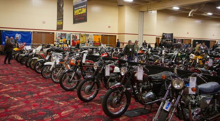 Motorcycle Auction - Motorcycle Etiquette - Mecum