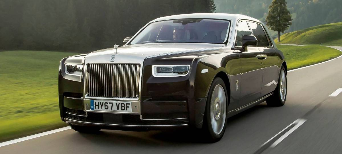 2018 Rolls-Royce Phantom - driver side front view