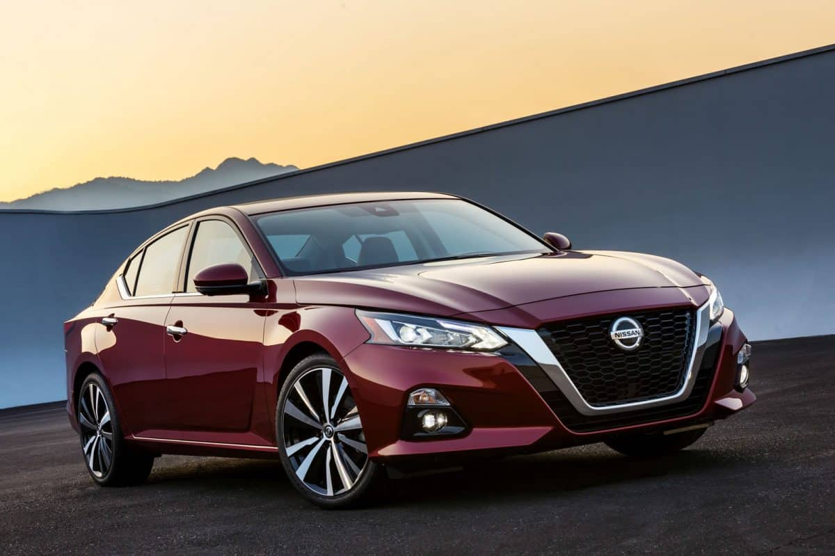 2019 Nissan Lineup - 2019 Nissan Altima front 3/4 view