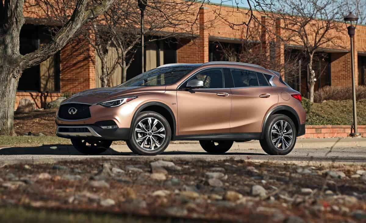 2019 Infiniti QX30 side view
