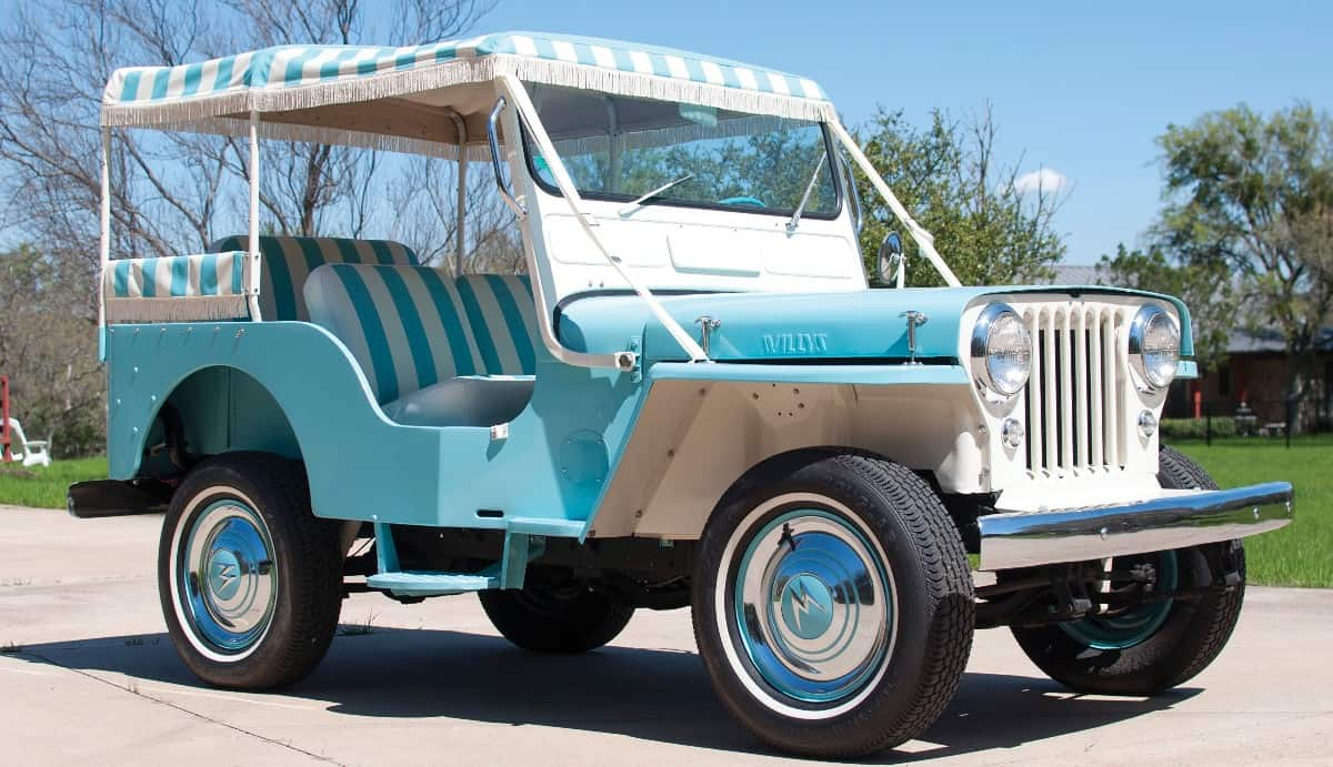 1960 Jeep DJ-3A - right side view