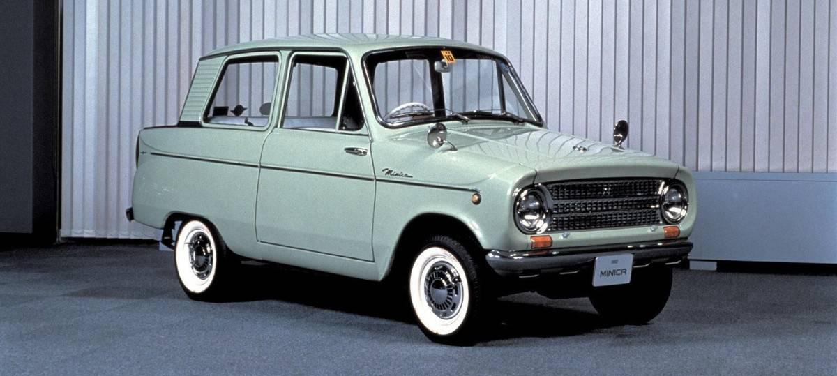 1962 Mitsubishi Minica - right side view