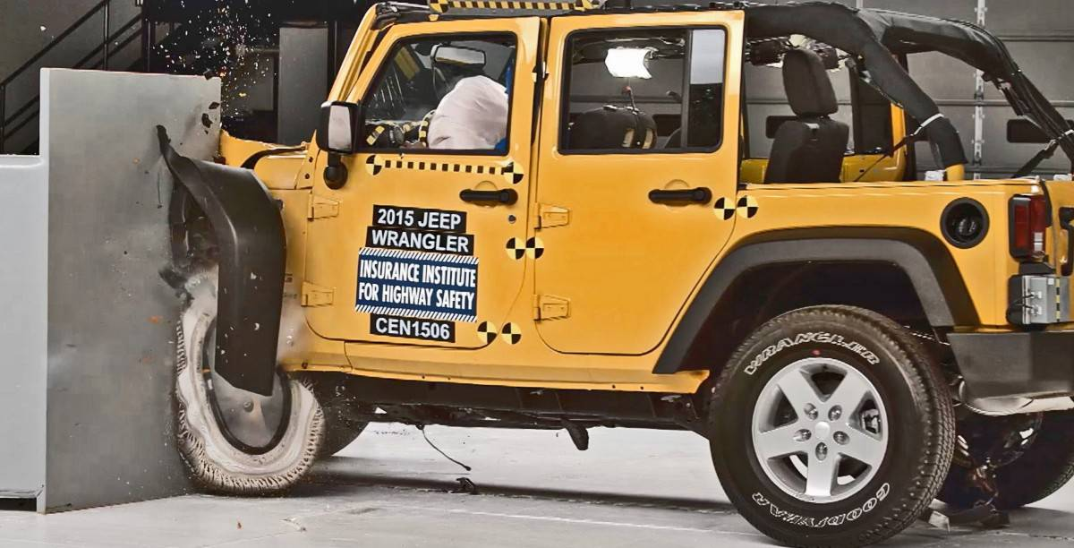 2015 Jeep Wrangler - crash test