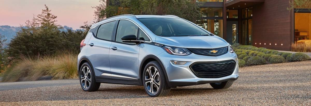 2018 Chevy Bolt EV - right front view