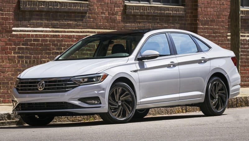 2019 Volkswagen Jetta front 3/4 view