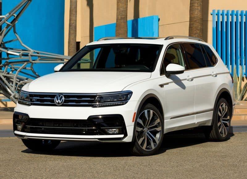 Volkswagen Tiguan front 3/4 view
