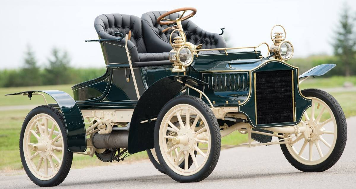 1905 Cadillac Model E Runabout - right front view