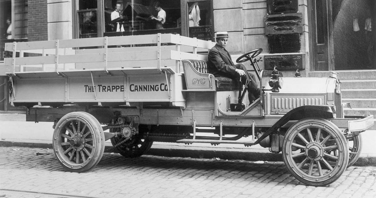 1912 GMC truck - right side view