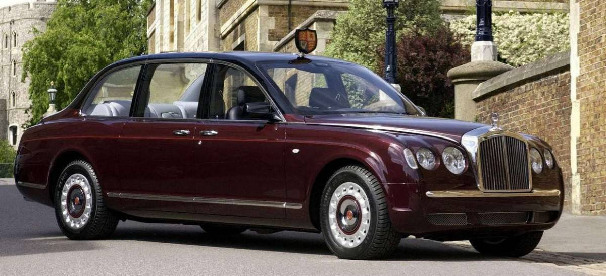 2002 Bentley State Limousine - right front view