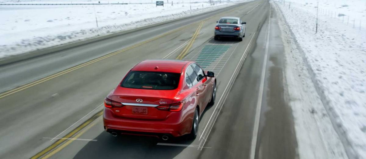 Infiniti Predictive Forward Collision Warning safety feature