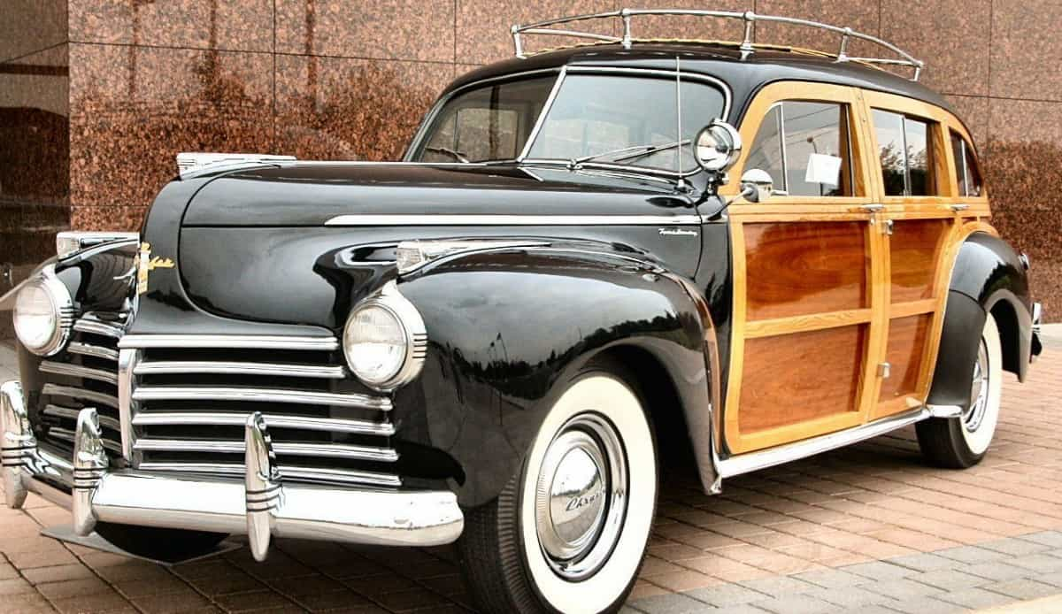 1941 Chrysler Town & Country - woody