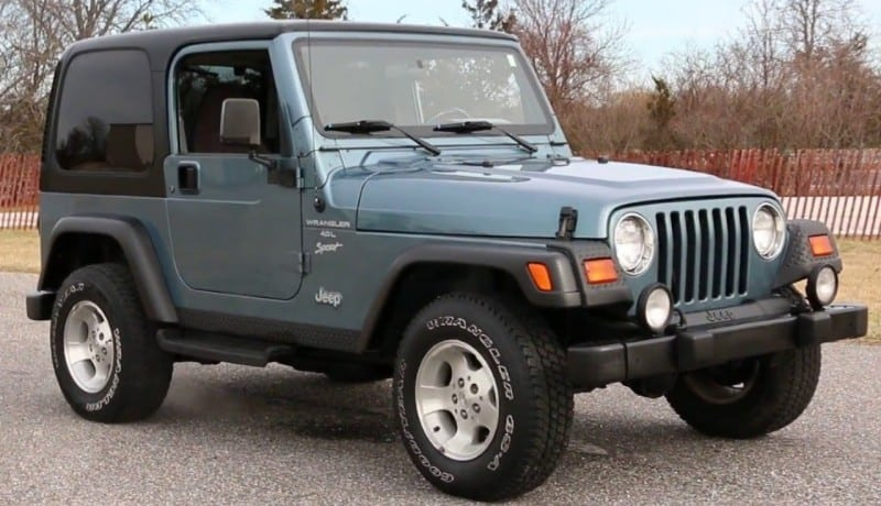 1999 Jeep Wrangler - right side view