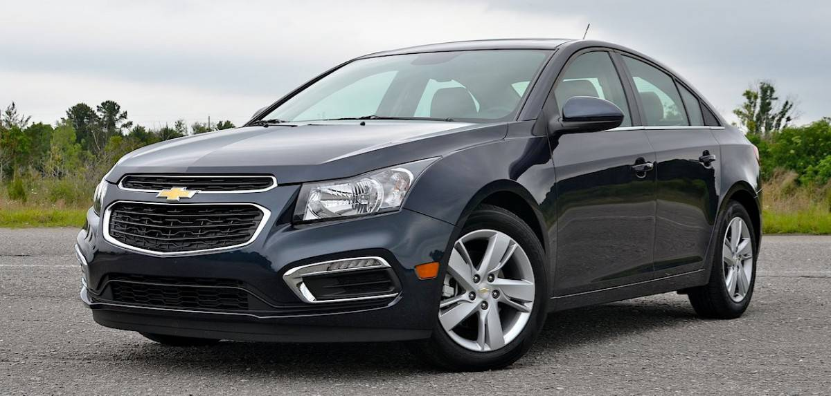 2015 Chevrolet Cruze Turbo Diesel - left front view