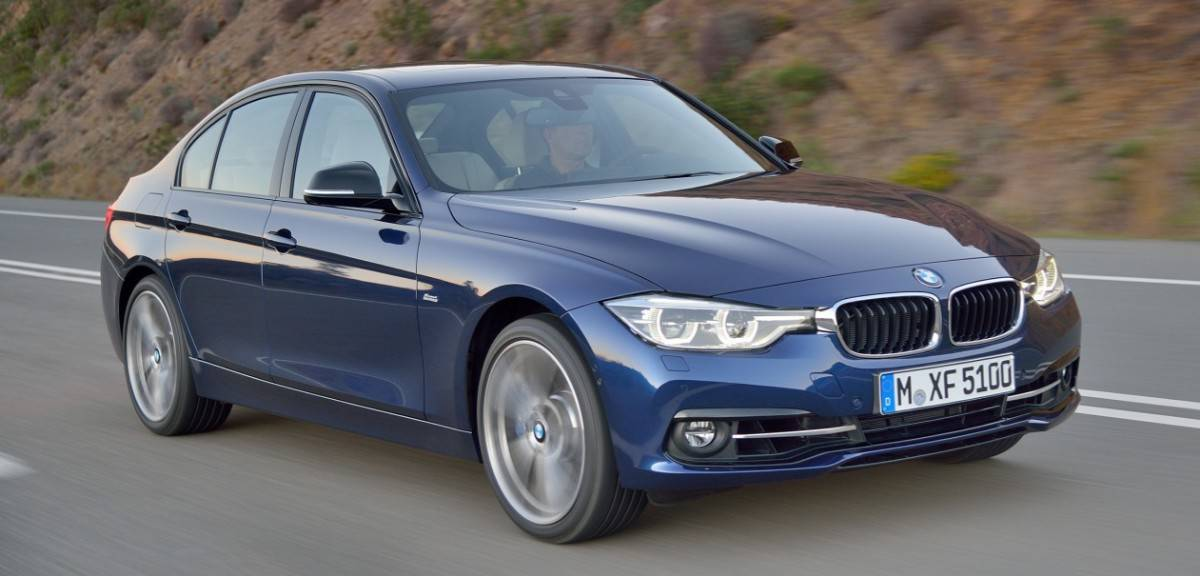 2018 BMW 3 Series - right front view