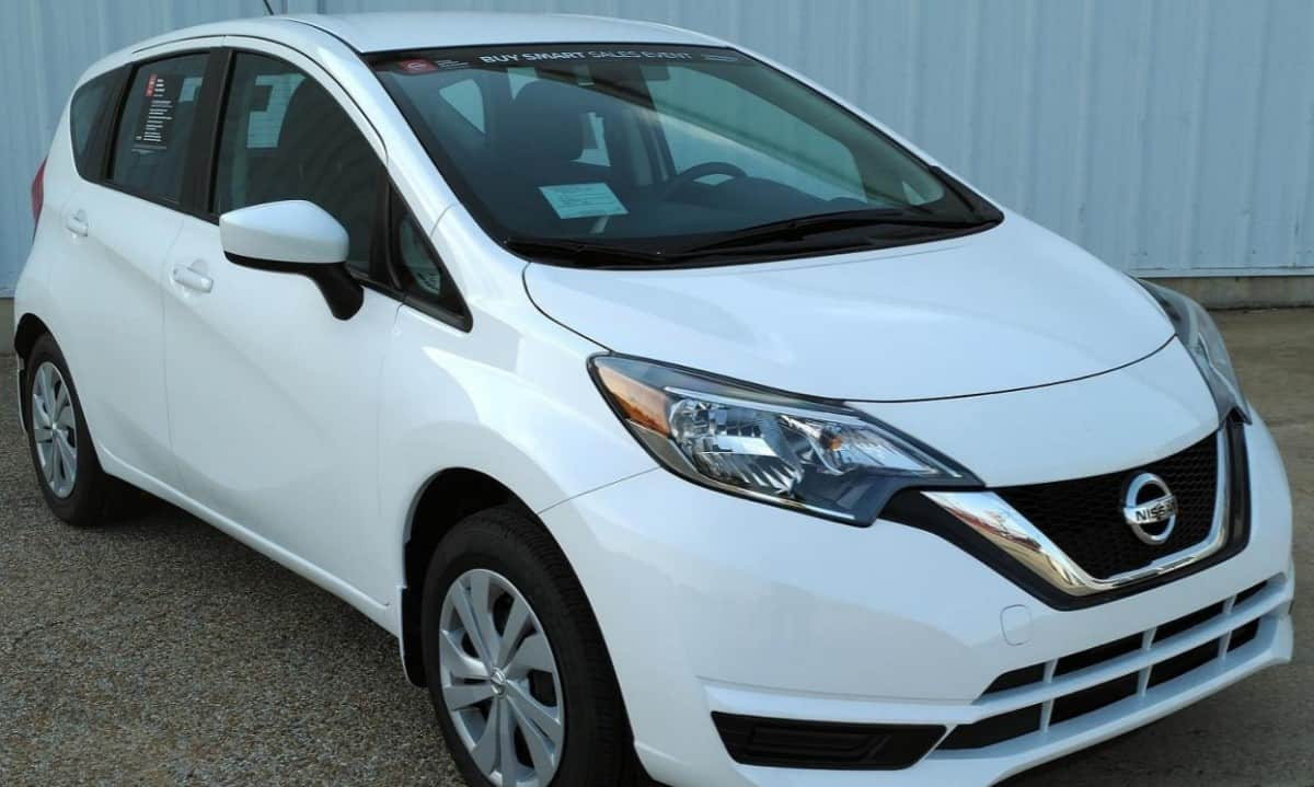 2018 Nissan Versa Note S - right front view