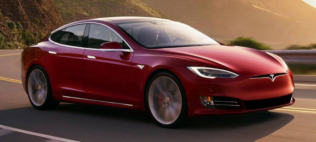 2018 Tesla Model S - right front view