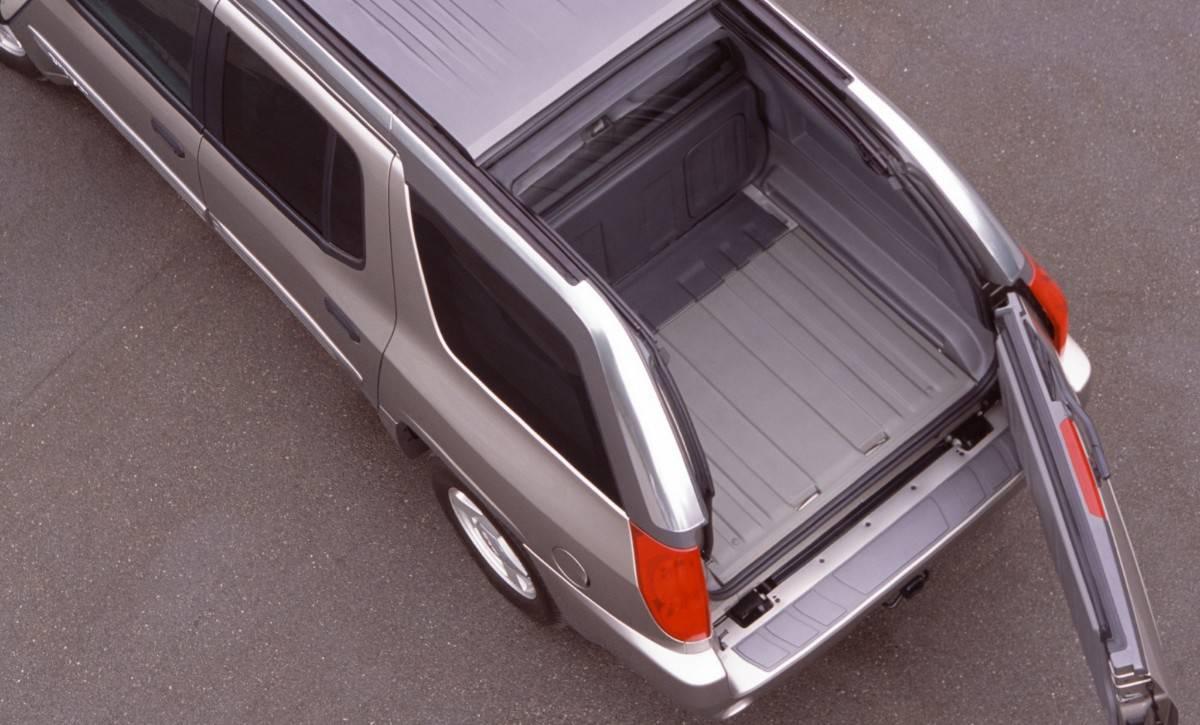 GMC Envoy XUV - Retractable Roof