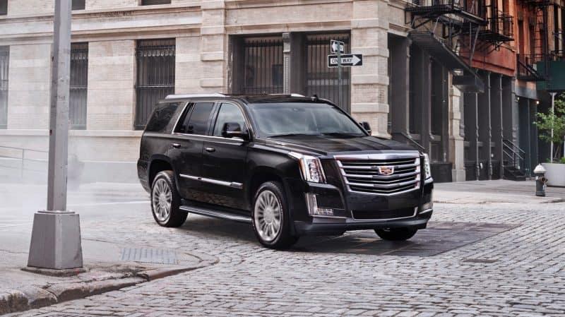 2018 Cadillac Escalade front 3/4 view