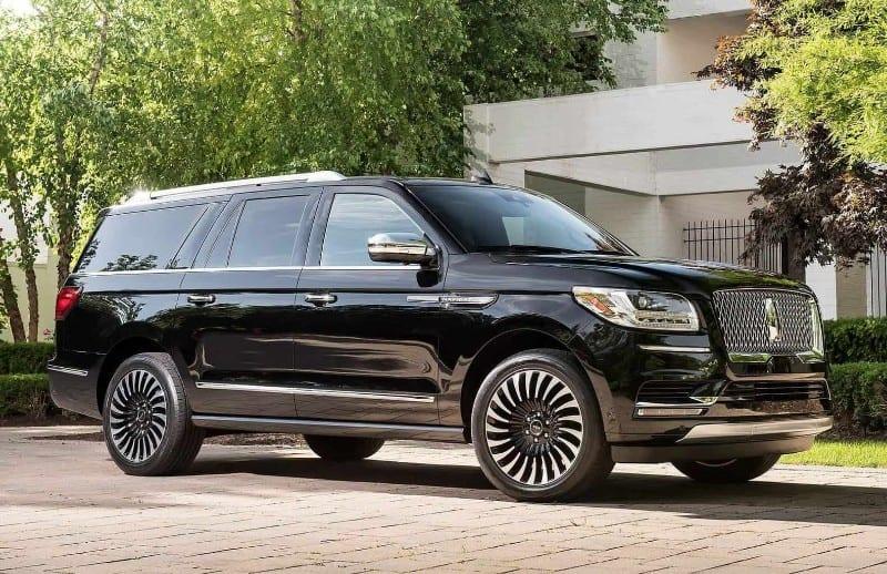 2018 Lincoln Navigator L Black Label - right side view
