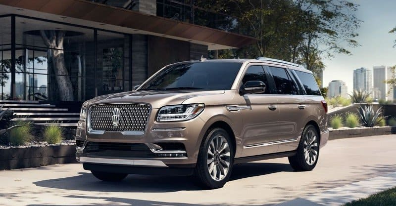 2018 Lincoln Navigator - left front view