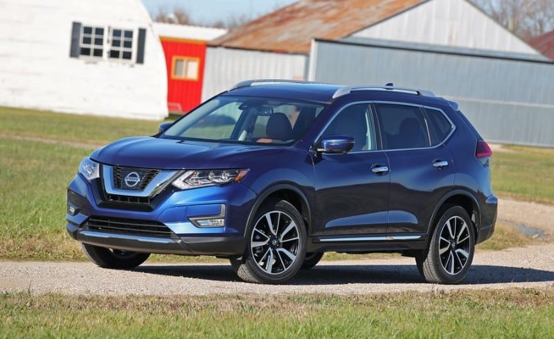 2018 Nissan Rogue SV - left front view