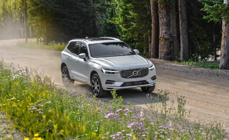 2018 Volvo XC90 T8 eAWD Plug-In Hybrid Excellence - right front view