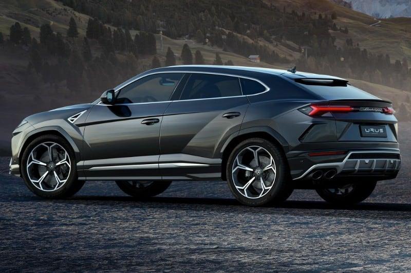 2019 Lamborghini Urus - drivers side view