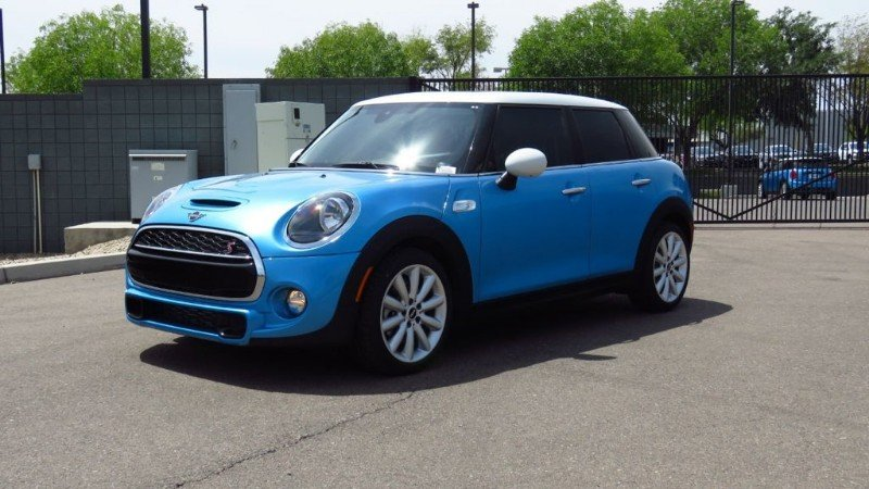 2019 Mini Cooper Hardtop Signature - panoramic sunroof